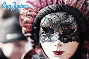 Portrait féminin d'un magnifique masque de Venise